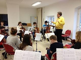 Orchester mit Herrn Wildenhof